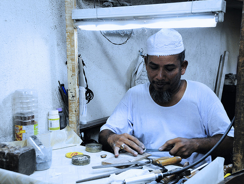 Kelantan Silversmith is making a Silver Handicraft